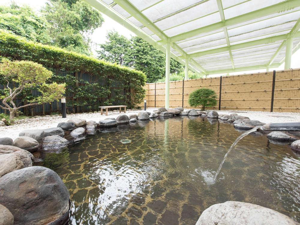 暑さも寒さもちょうどいい 大浴場に併設の露天風呂で、とろっとろの美人の湯を堪能!