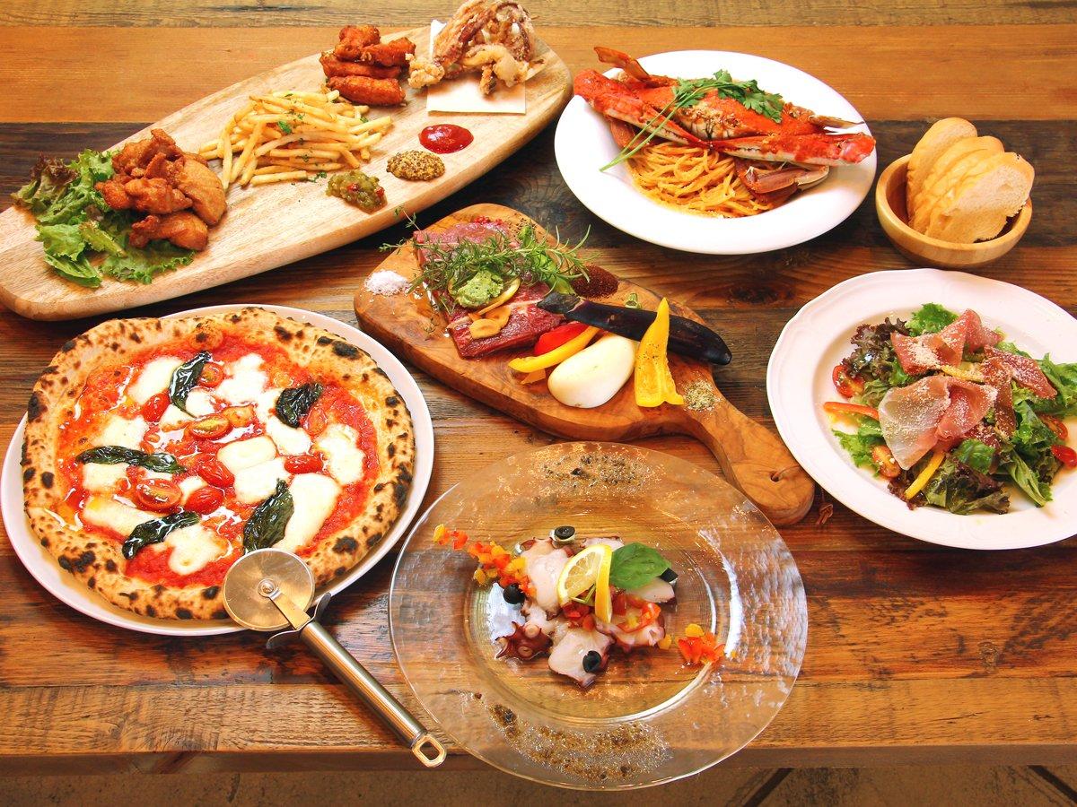 ディナーはコース料理となっております。コース料理をシェアするスタイル♪