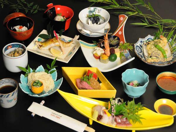 四季の食材を活かした特選和膳料理をお楽しみ下さい