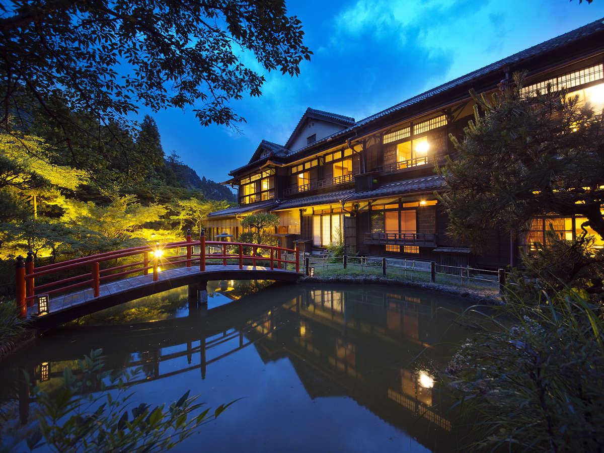 【名建築家「辰野金吾」氏設計】 『登録有形文化財の宿』で、憩いのひととき。