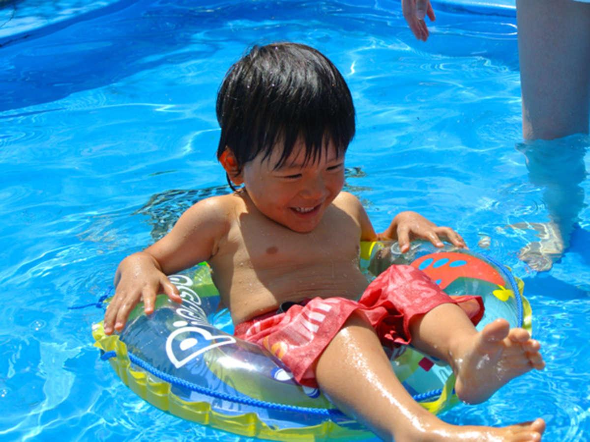 【屋外プール】<夏季限定>当館敷地内の屋外プールで夏を満喫いただけます