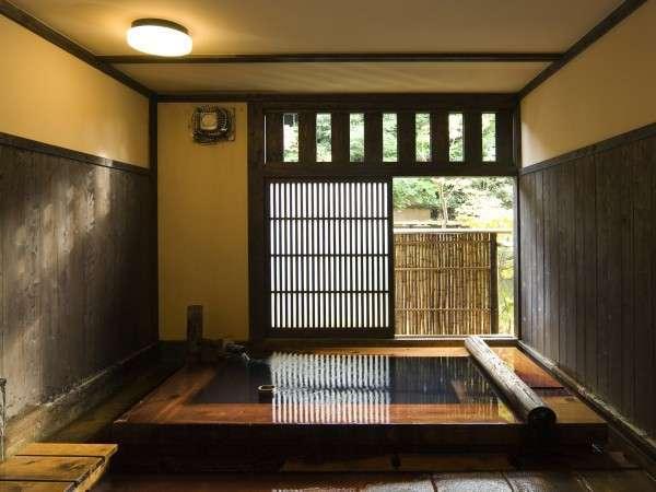 【貸切風呂】ヒノキの貸切風呂など、館内に宿泊者無料の貸切風呂は3箇所/例