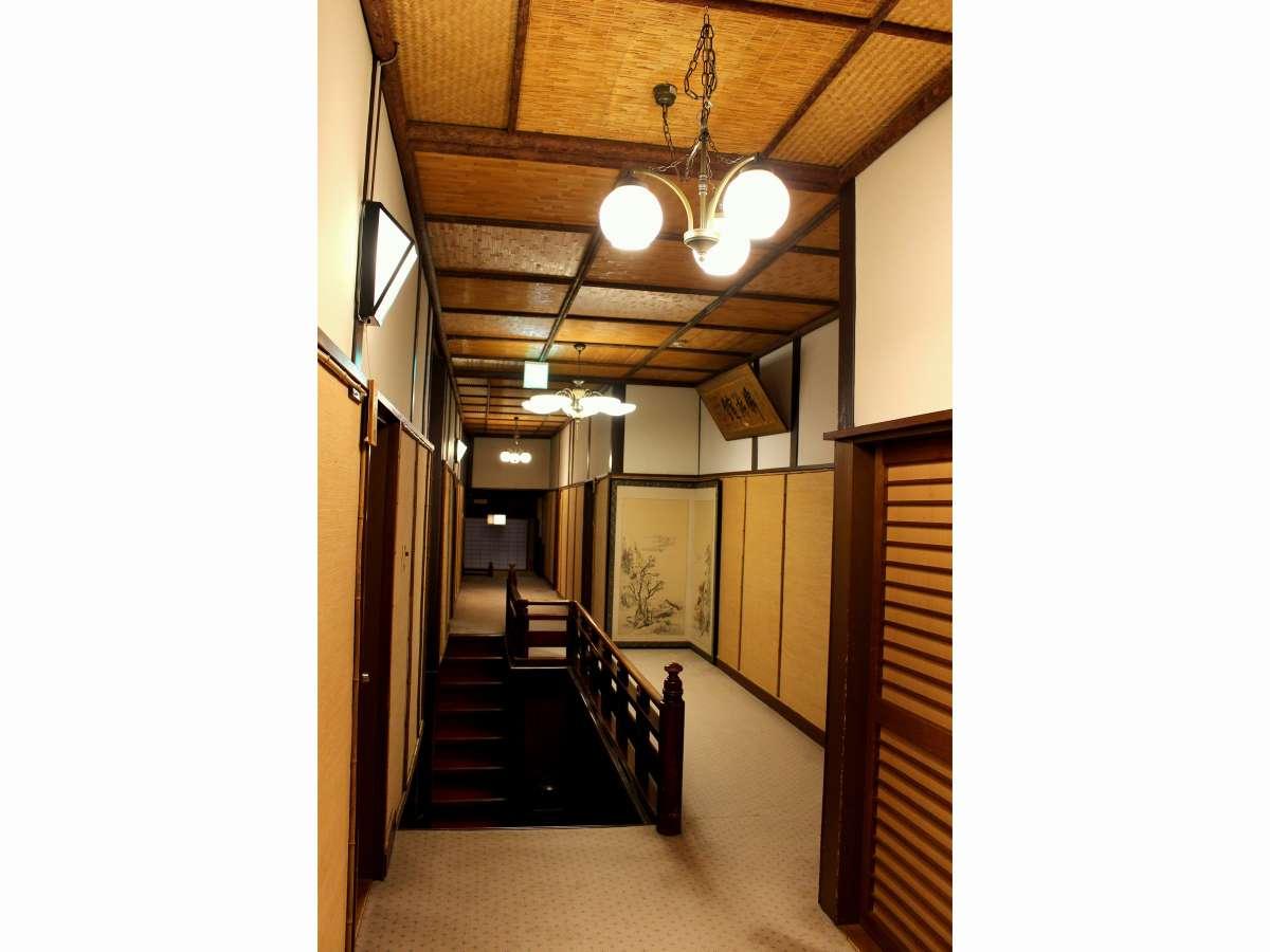 文化財棟廊下