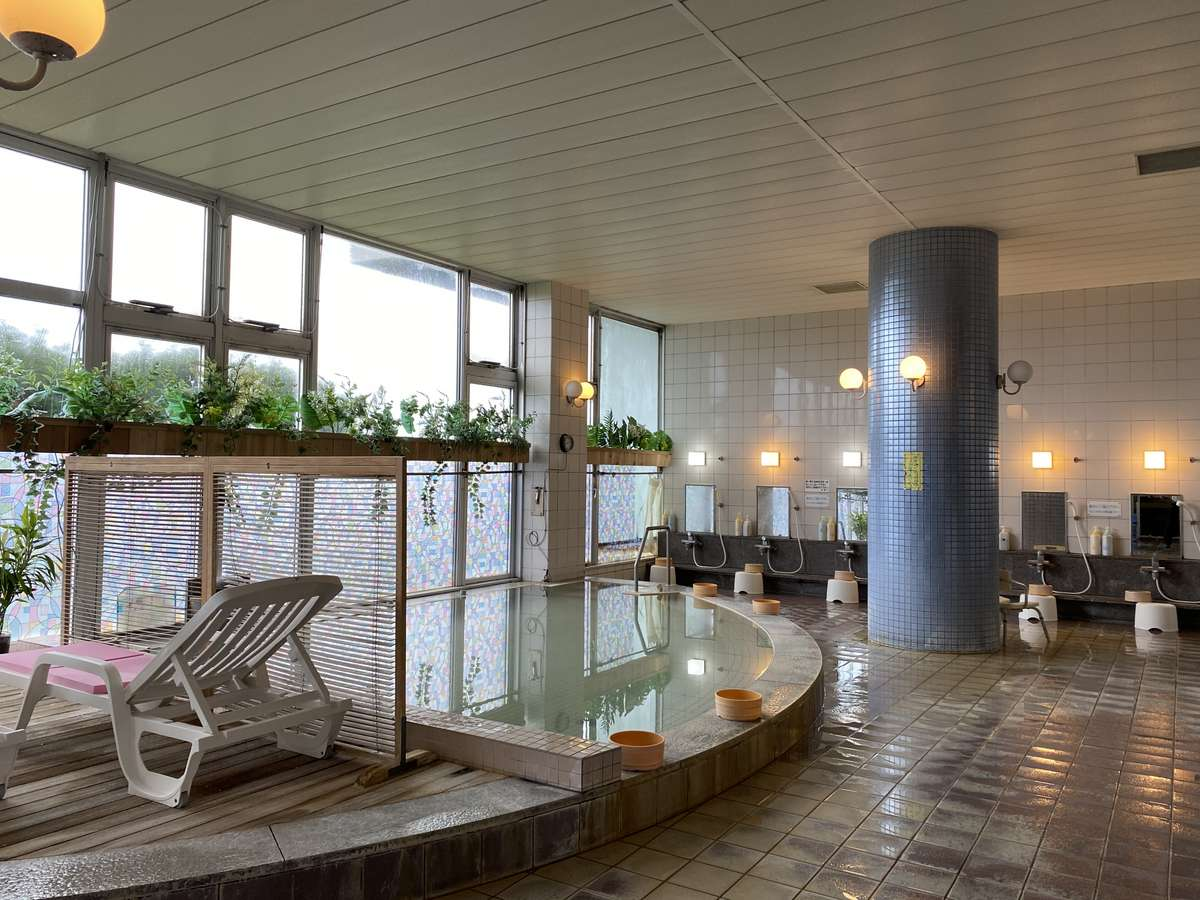 大浴場 営業時間15:30~21:00閉館 毎週水曜日定休