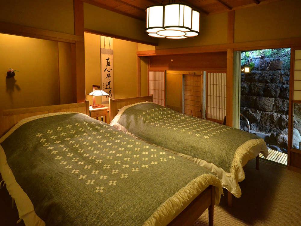 露天風呂付 特別室 【蓬莱の間】の寝室