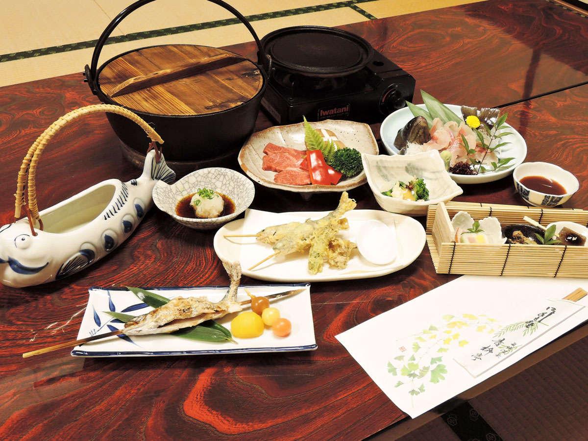 *【夕食一例】四季折々の山の幸を使った料理(新館向け)