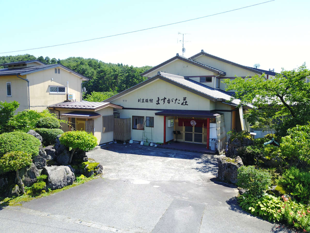 入り口外観/Entrance appearance summer