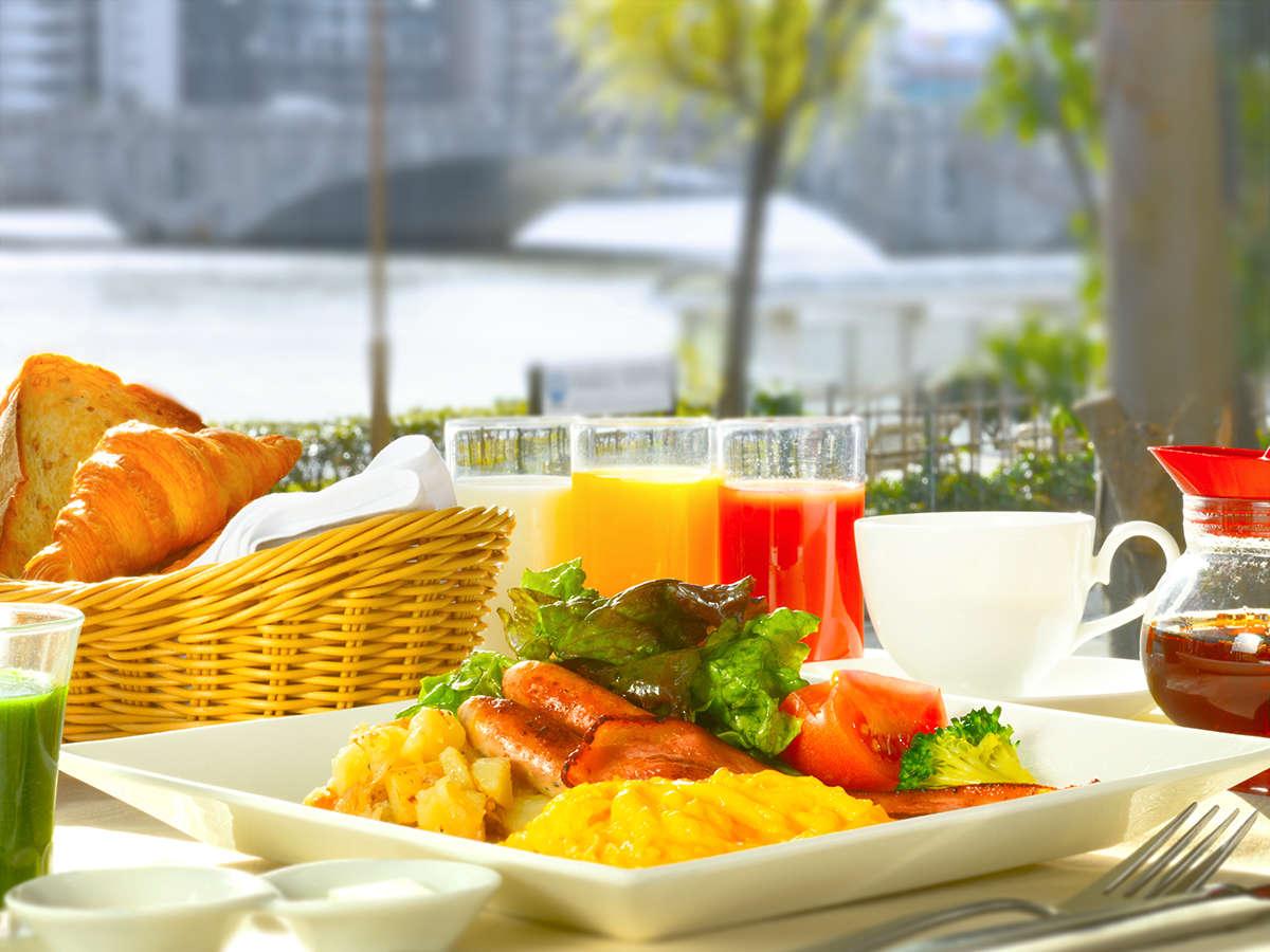 【洋朝食】色鮮やかな『ビタミンカラープレート』は爽やかな朝にぴったり!卵料理はお好みの調理法で♪