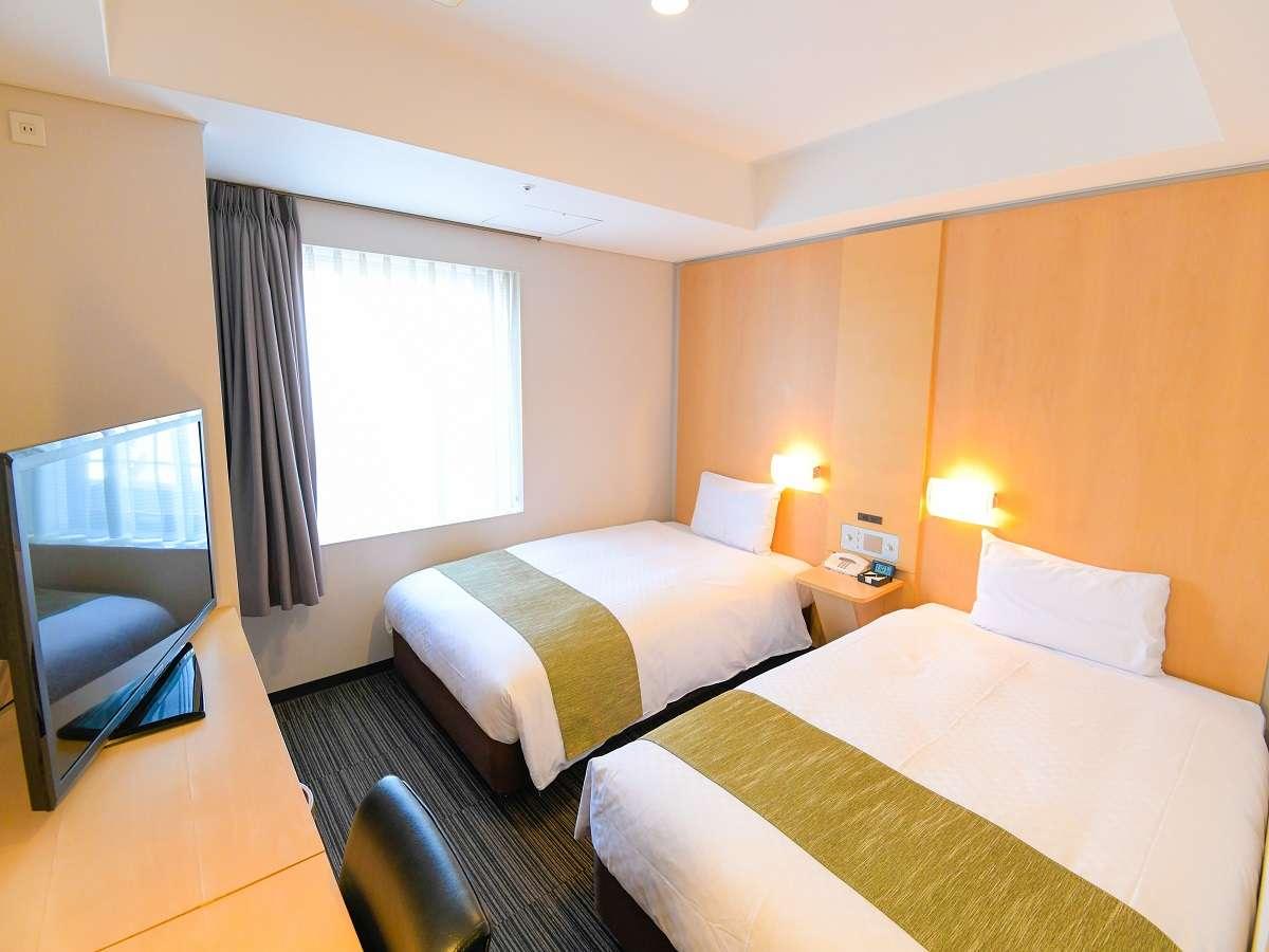 スタンダードツイン。広さ17平米、120cmのシングルベッドが2台のスタンダードタイプです。