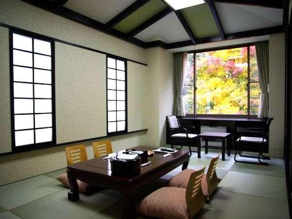 秋のモダン和室