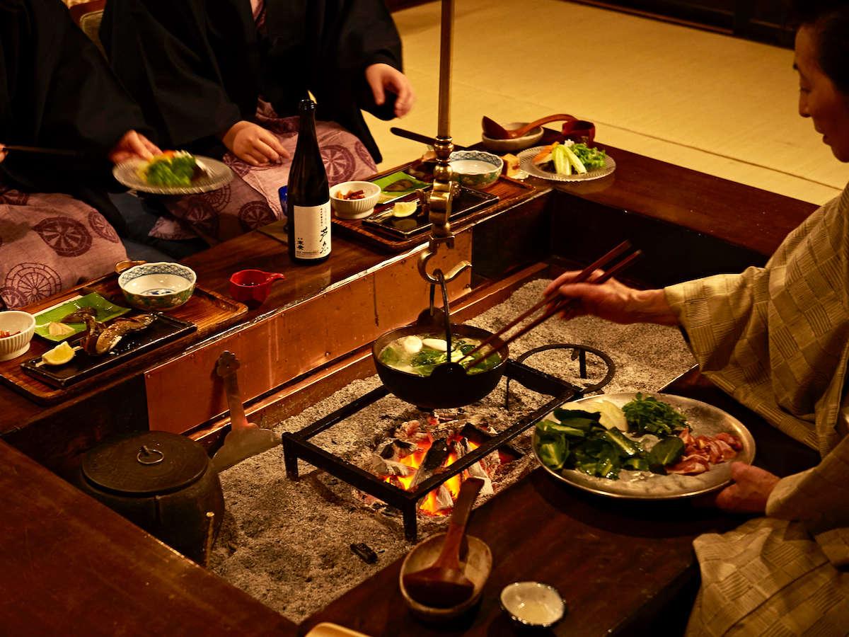 食事風景。お食事に心躍る楽しい時間をお過ごしいただけます。
