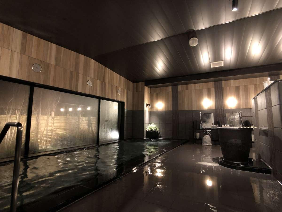 グランドアネックス大浴場。かけ湯も用意し、広くご利用頂けます。
