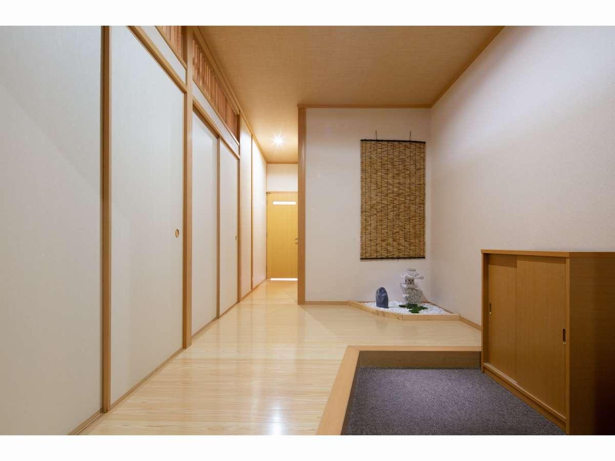 和室【10+6畳】玄関