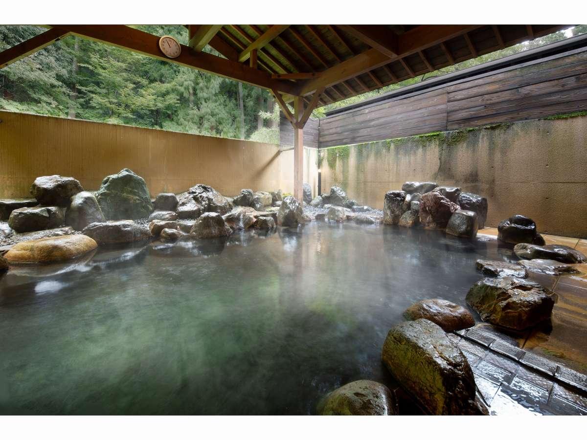 効能溢れる歴史の湯【露天風呂】