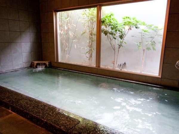 天然温泉「影虎の湯」は男女時間交代制で入湯いただけます。