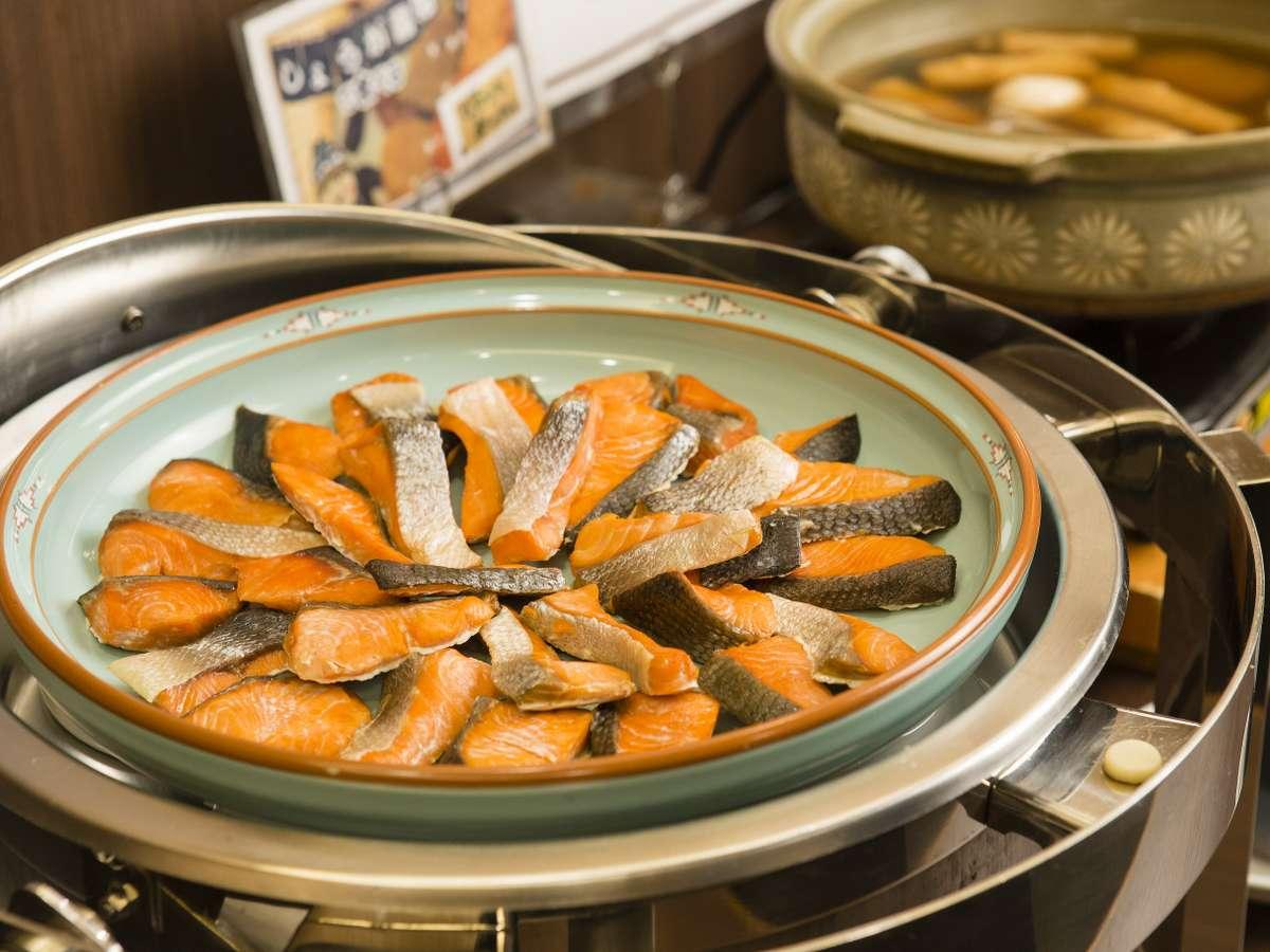 <朝食バイキング> 鮭の塩焼き