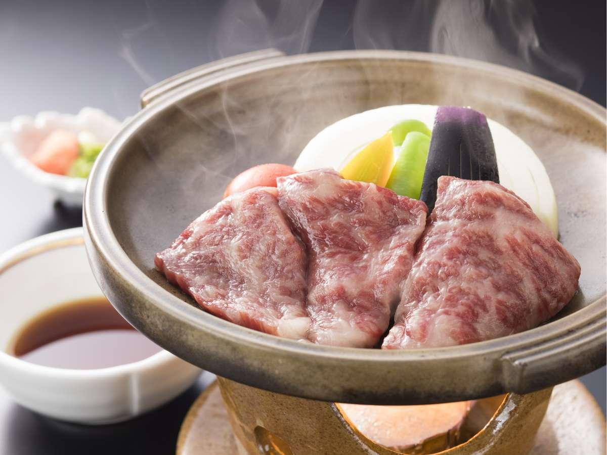<贅沢旬会席>黒毛和牛の陶板焼き 高品質な「肉のやわらかさ」をご堪能ください。
