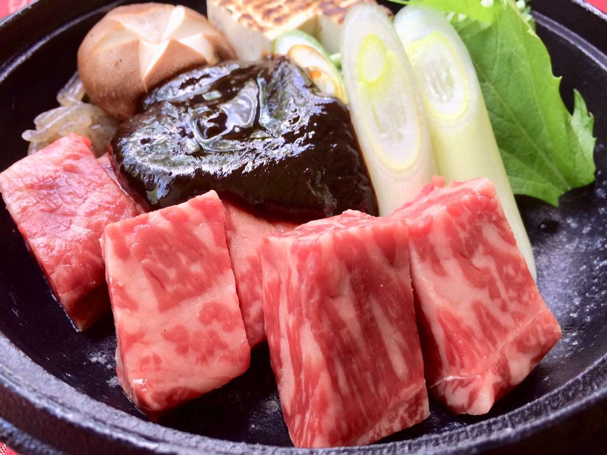 【オリジナル牛鍋】特製味噌にて お召し上がり下さい