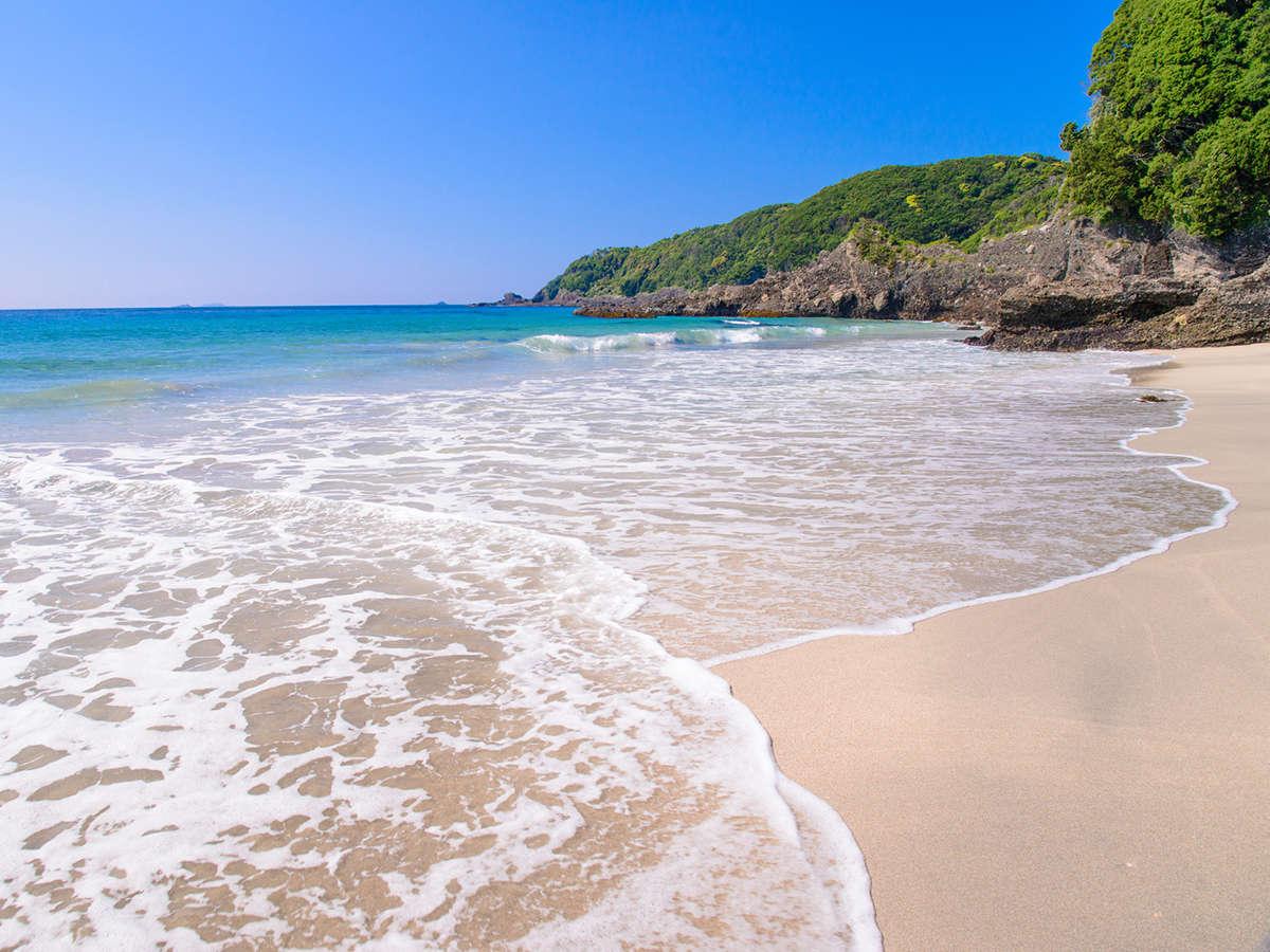 ■吉佐美大浜■当館より車で14分の海岸。周囲にお洒落なカフェもある外国人にも人気の場所。