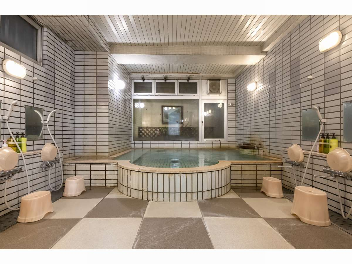 天然温泉いわっぱらの湯大浴場