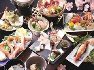 旬の食材を彩り豊かに(ご夕食一例)