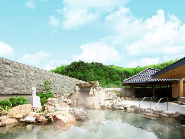 【温泉露天風呂『室戸岬』】室戸ジオパークの奇岩を模したダイナミックな作り。※写真はイメージです。