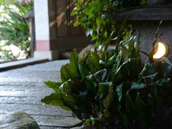 石畳が風情と風格を感じる