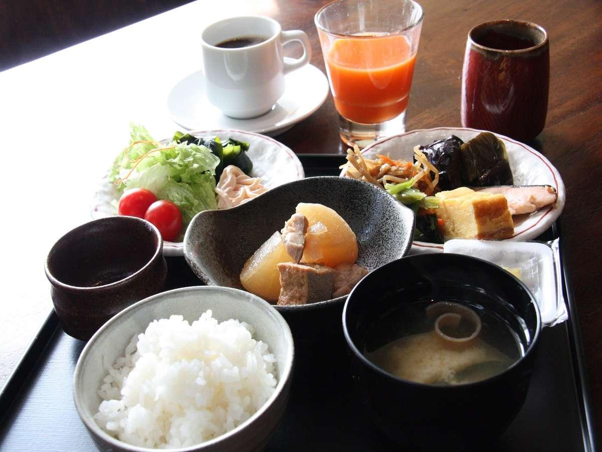 【和食レストラン・魚沼釜蔵】ビュッフェスタイルでご用意しております。
