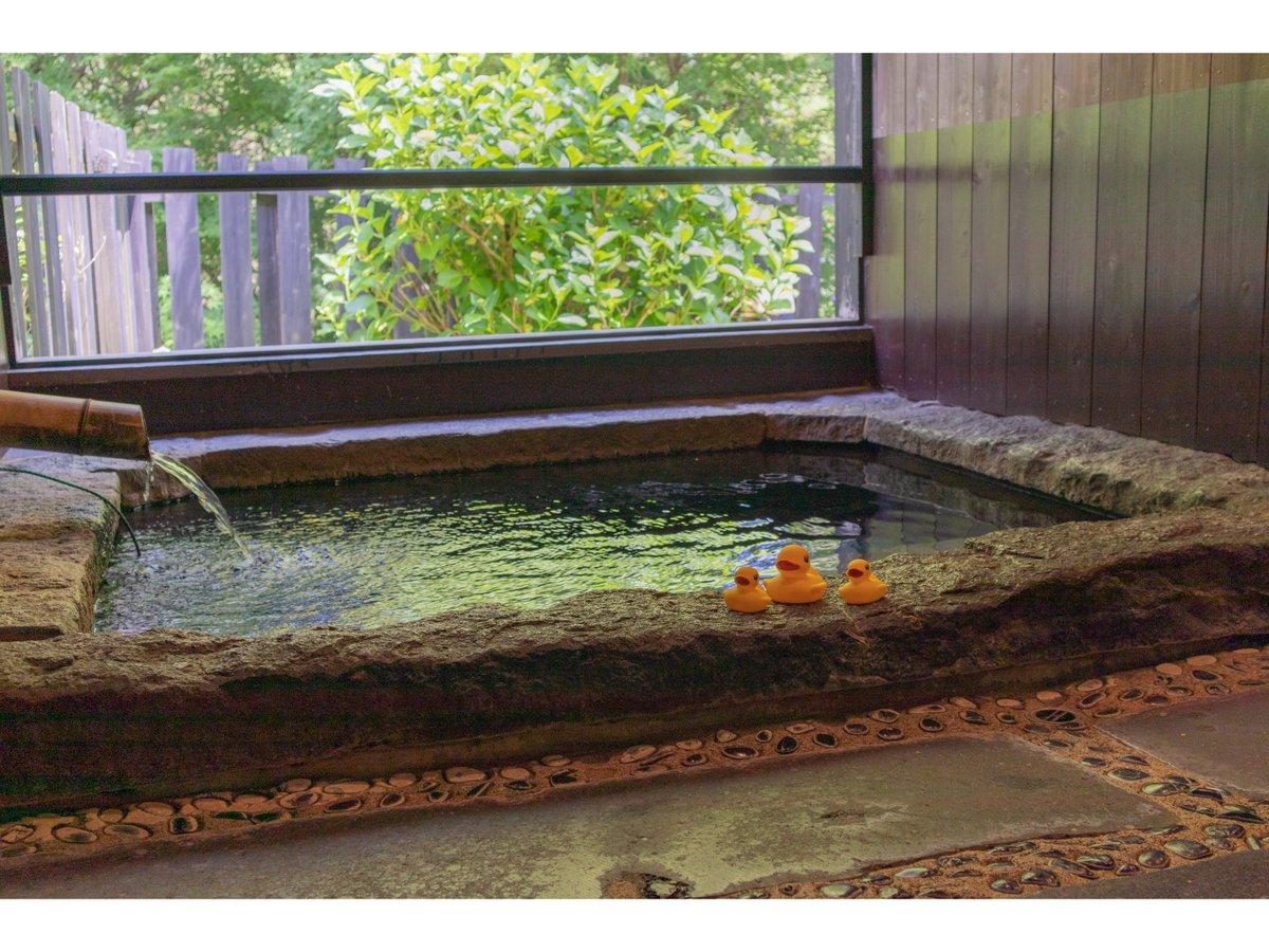 客室半露天風呂一例