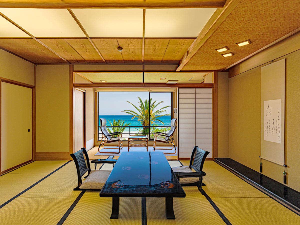 砂浜と海が一体になる2階スタンダードタイプ客室。