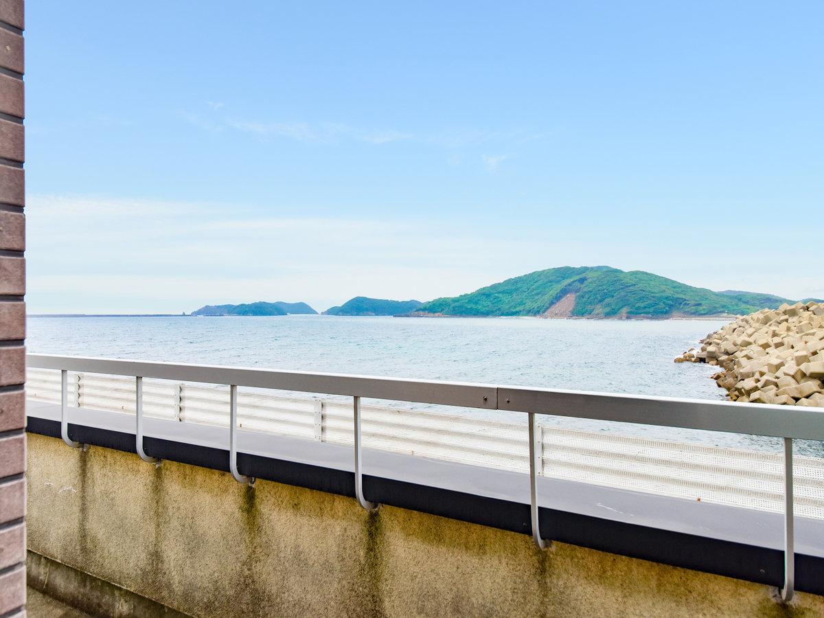 *【眺望一例】お部屋から辰ノ島を一望できます