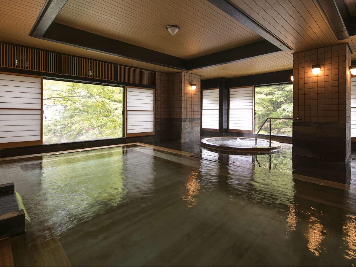 檜風呂でのんびりお寛ぎください【翠渓の湯】