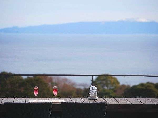 海と伊豆大島一望の絶景ロケーション