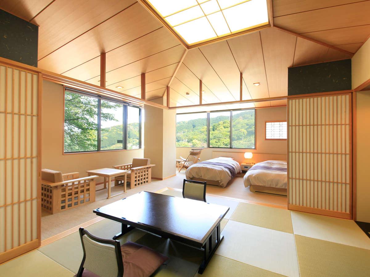 ■和室■【特別室】特別室の窓からは、南熱海の海と山が望めます。