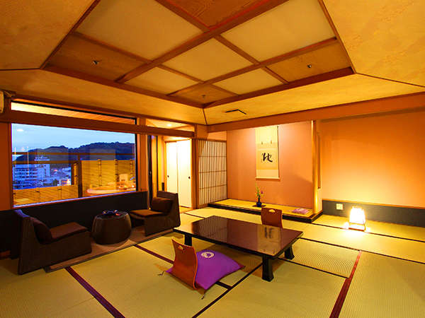 【露天付客室】ギネス認定の花時計や駿河湾など6階からの眺望を楽しめる露天風呂付