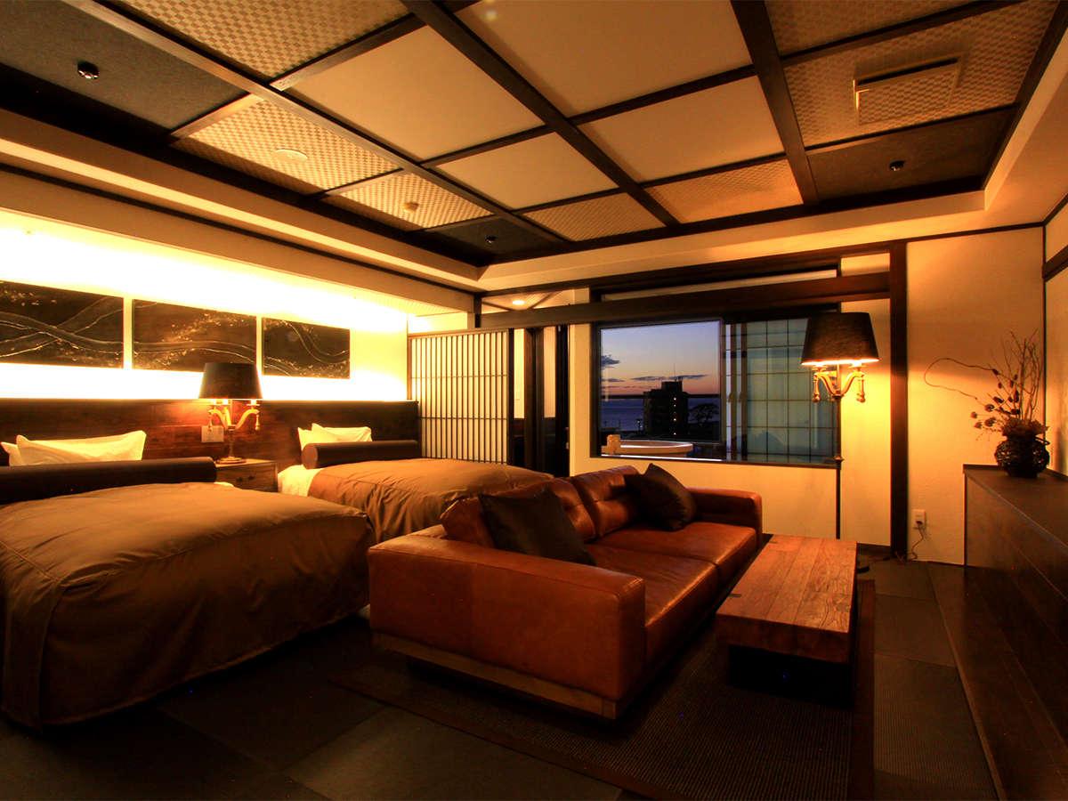 【露天付客室 禁煙】2020年11月完成 畳を使用しながらもソファとベッドで楽にくつろげる露天付客室