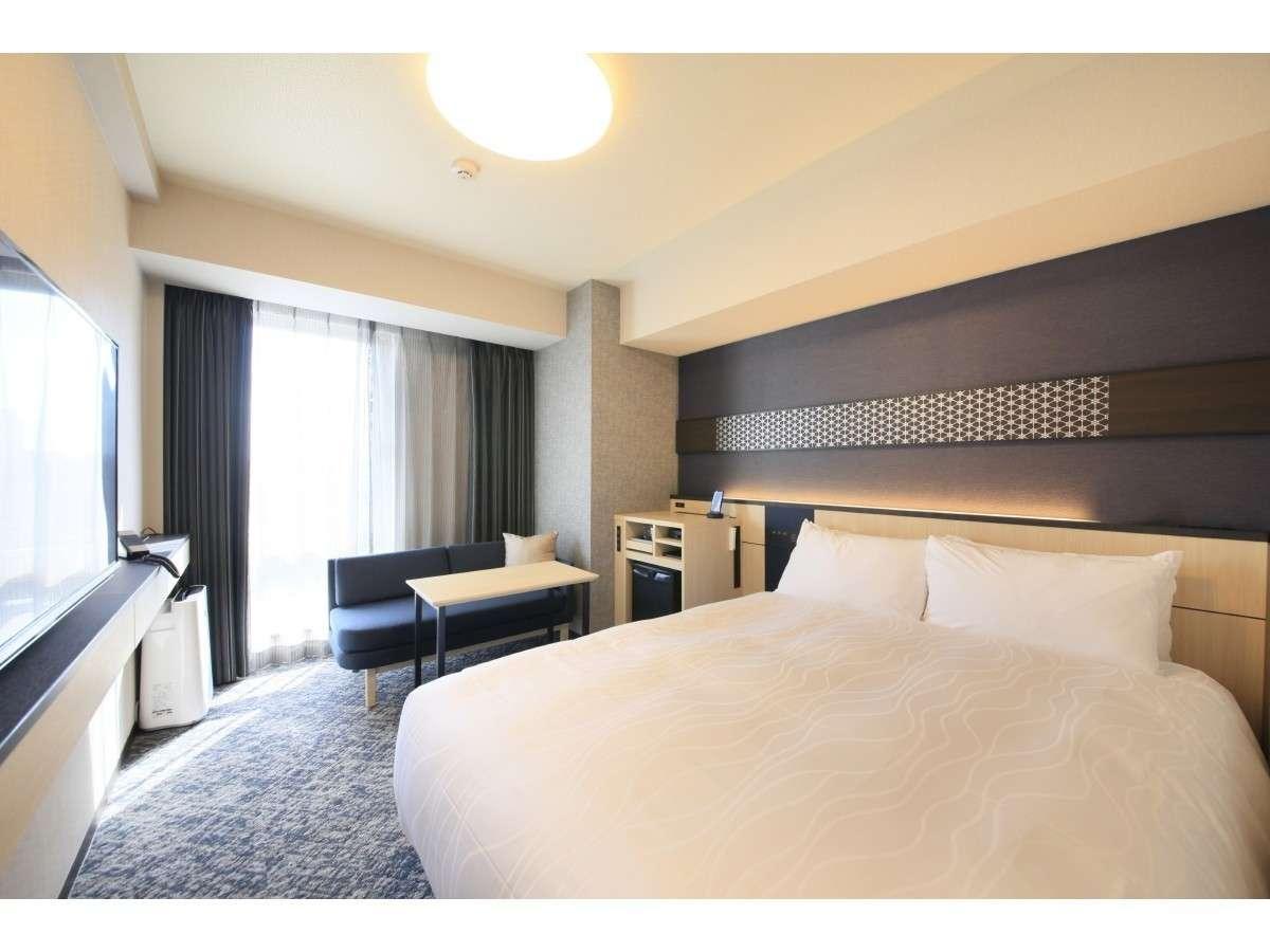 モデレートルーム<青>8~10階■広さ17㎡・140cm×200cmベッド1台のお部屋です♪