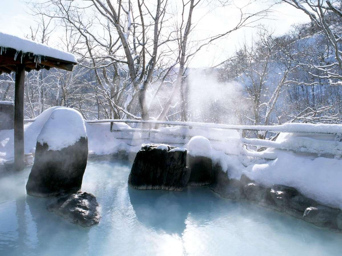 【混浴露天風呂(冬)】雪見温泉をお楽しみください