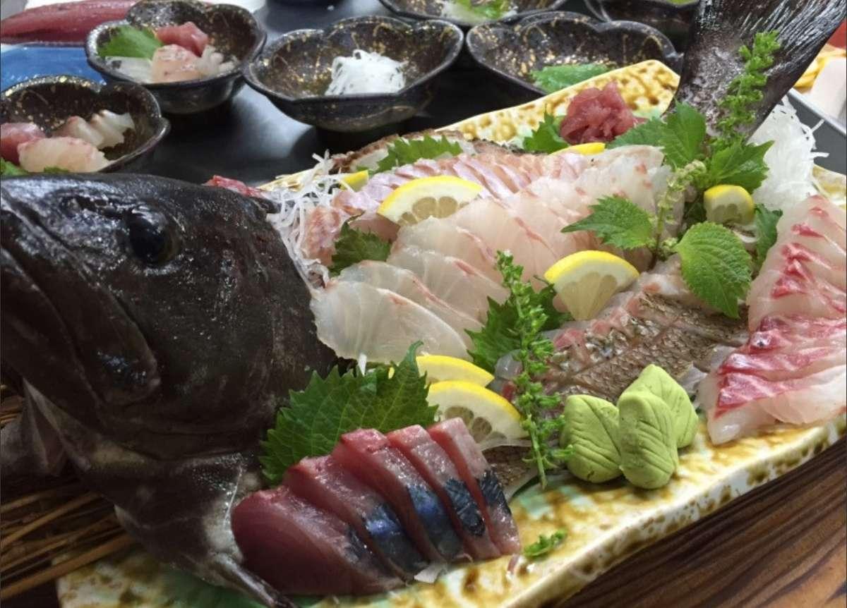 自慢の魚料理でおもてなし