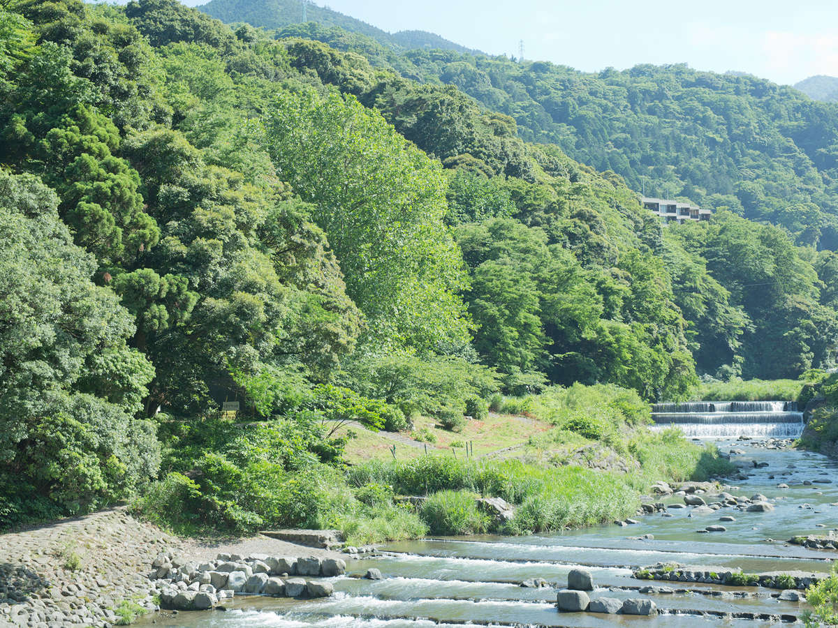 箱根湯本駅前の早川