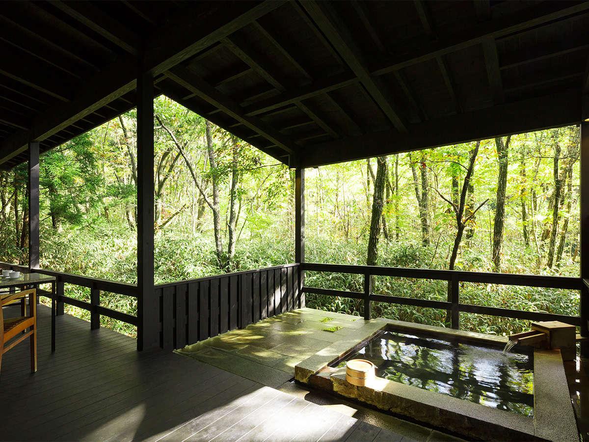 【客室露天風呂イメージ】阿蘇の四季を感じられる贅沢な湯浴み