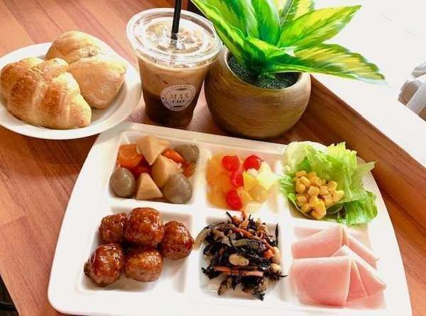 【朝食】栄養価のバランスを考えた体にやさしいメニューを準備しております。