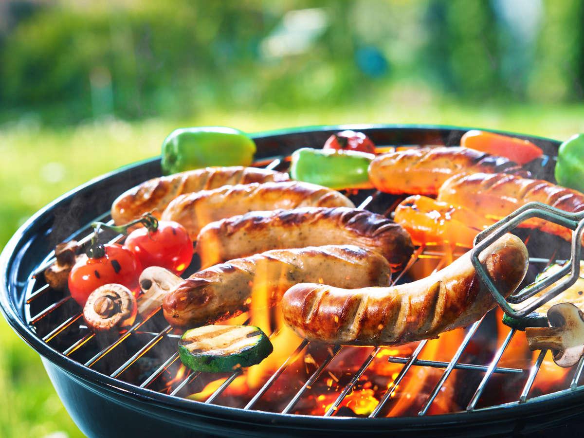 BBQセットあり、食材・飲み物・炭持ち込みで一年中お楽しみ下さい!