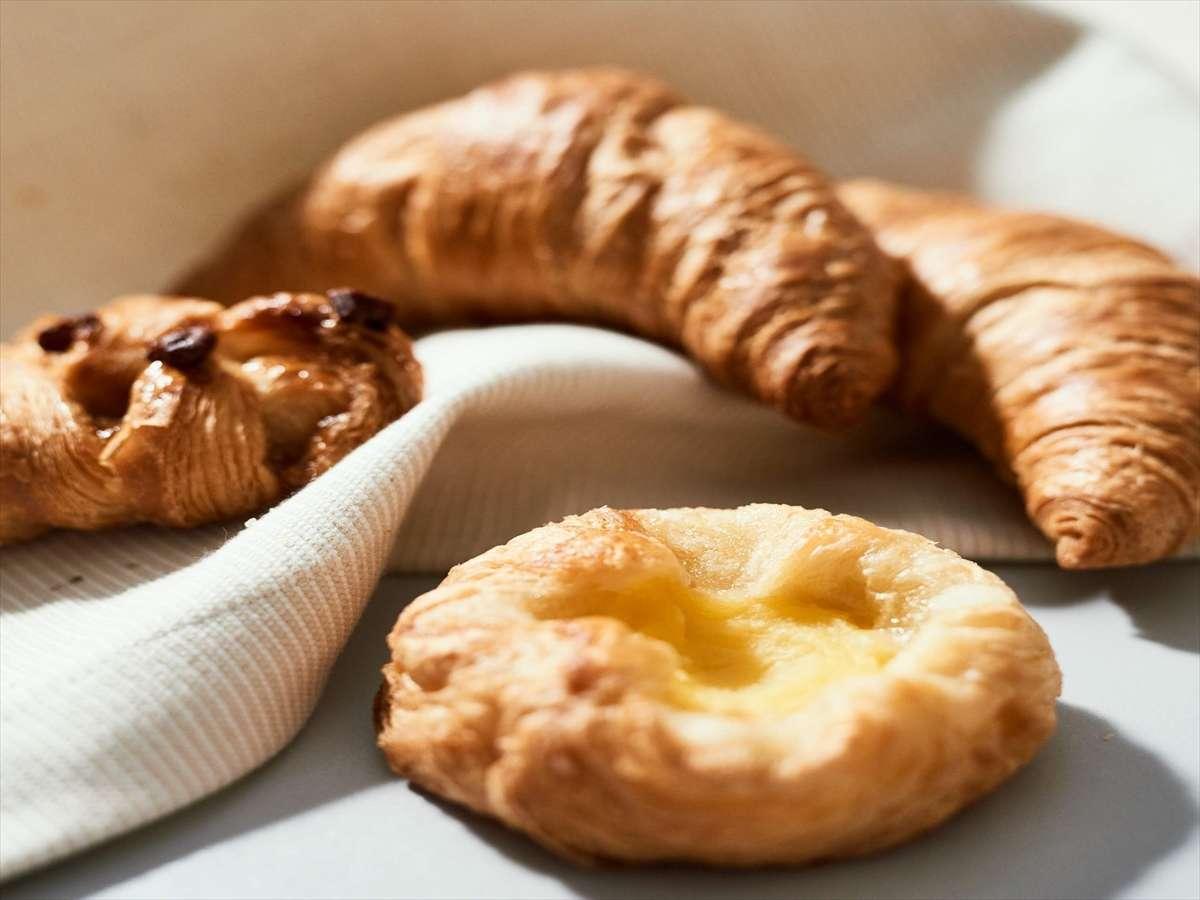 【Organic】朝から焼き上げるサクサク焼き立てパン健康無料朝食※イメージ