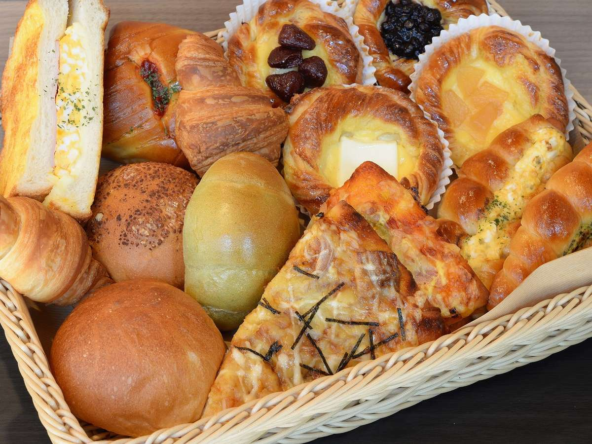 朝食は「セレクトセット」「トーストセット」からお選びいただけます。