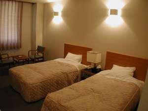 落ち着きのある洋室(ツインルーム)は合計4部屋ございます。