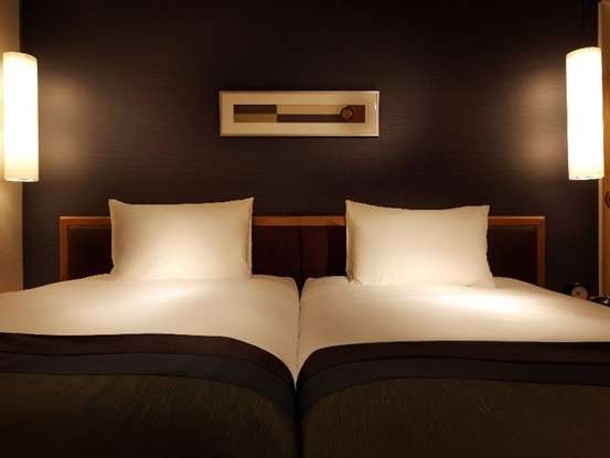 ツインベッド 110×203のベッドを2つご用意