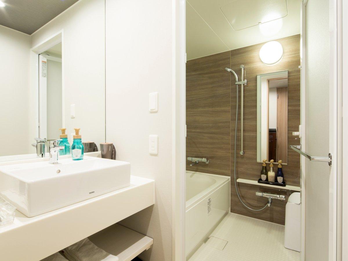 スーペリアツインルーム洗い場付きバスルーム