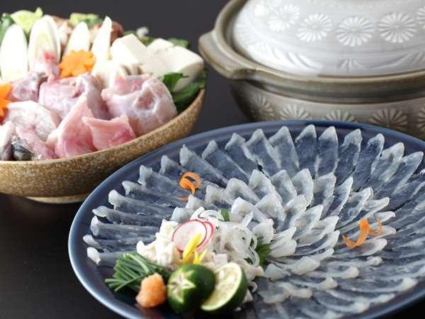 地域NO1の人気を誇る梅乃屋の「活き〆とらふぐ」料理!!今年も美味しいふぐをご用意しております。
