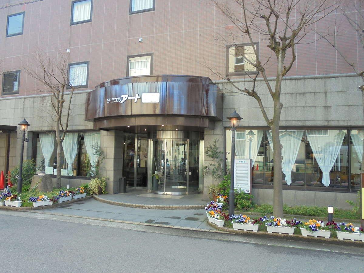 外観 新潟駅南口から徒歩2分